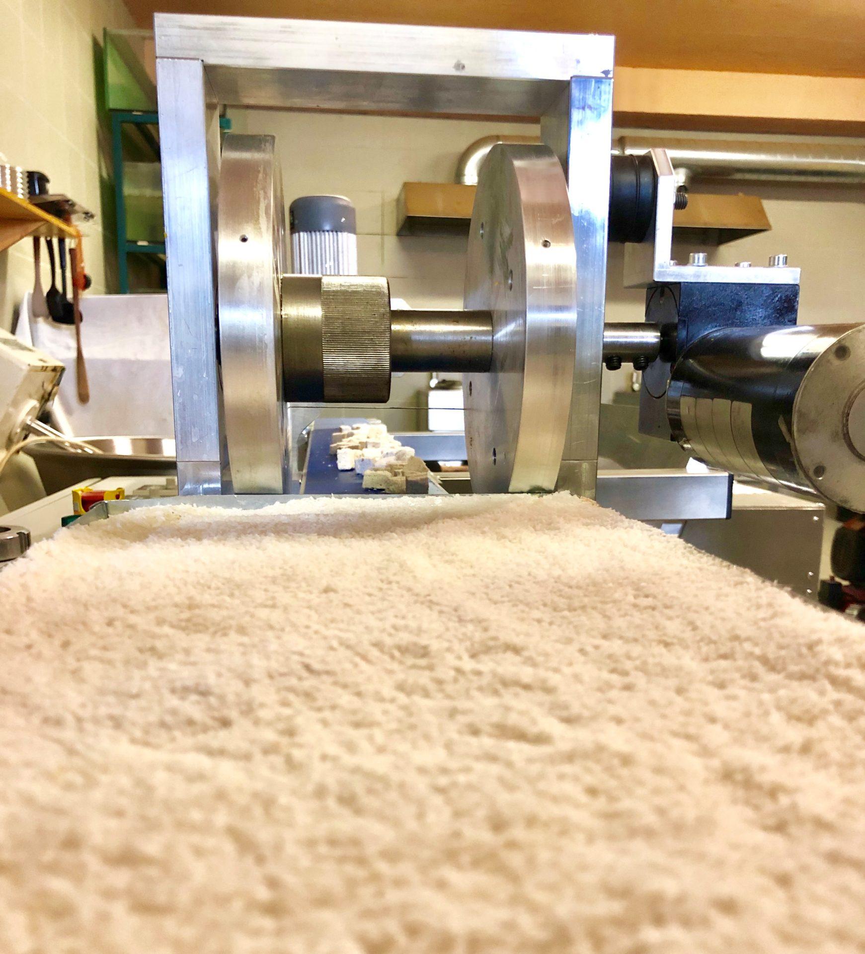 NUTRIGO Coco na začátku naší nové technologie, kde se používá drcený kokos